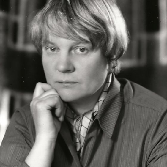 Quakerish Novelist – Iris Murdoch